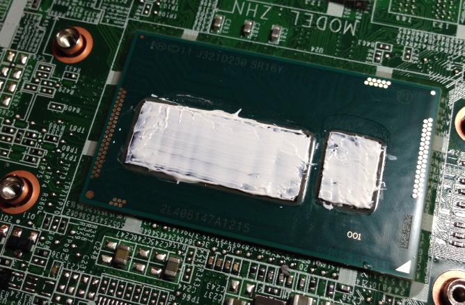 Как наносить термопасту на процессор ноутбука