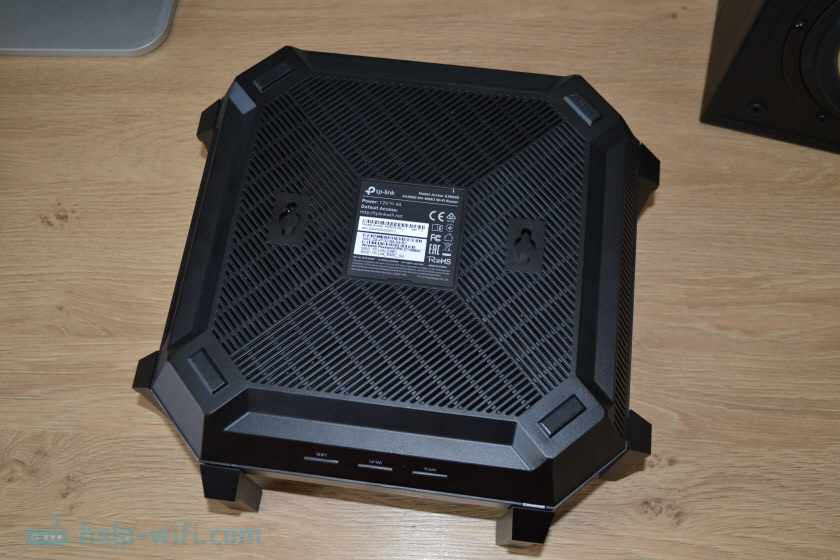 Вид снизу TP-Link Archer AX6000